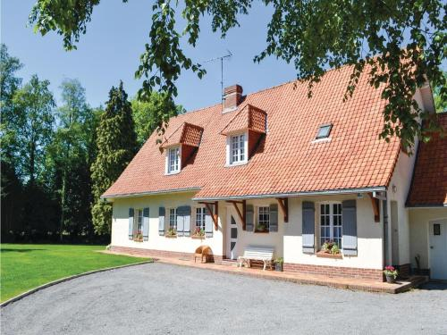 Holiday home Campagne les Hesdin 53 : Hebergement proche de Brévillers