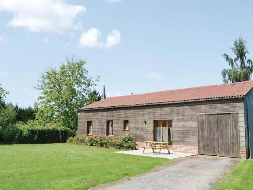 Holiday Home Gueschart Rue De Maison : Hebergement proche de Brucamps
