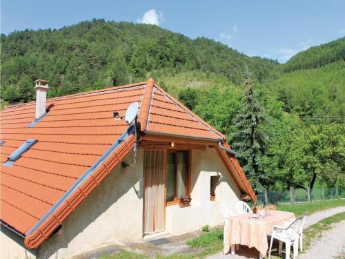Two-Bedroom Holiday Home in Glandage : Hebergement proche de Mayres-Savel