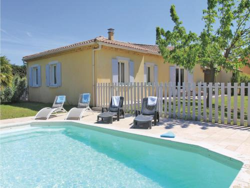 Holiday Home Montelimar II : Hebergement proche de Saint-Vincent-de-Barrès