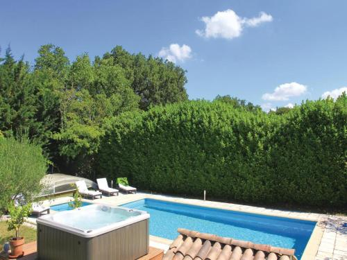 Three-Bedroom Holiday Home in Puygiron : Hebergement proche de Saint-Gervais-sur-Roubion