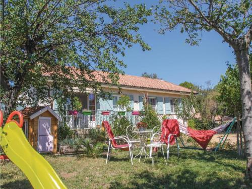 Holiday home Mornas 15 with Outdoor Swimmingpool : Hebergement proche de Vénéjan