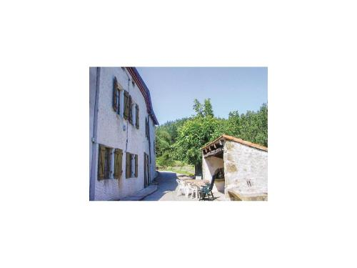 Holiday Home la Crotte - 04 : Hebergement proche de Saint-Julien-Labrousse
