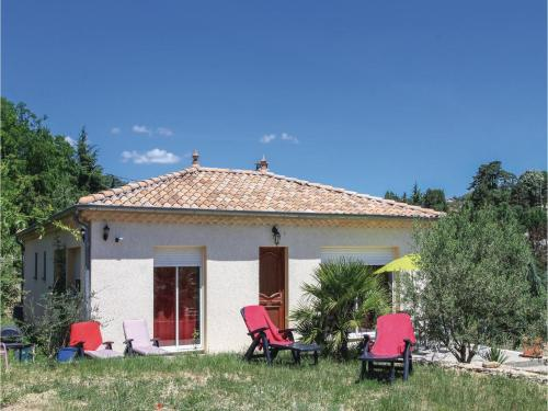 Three-Bedroom Holiday Home in Aubenas : Hebergement proche de Vesseaux