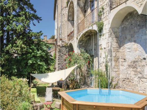 Hébergement Four-Bedroom Holiday Home in Viviers