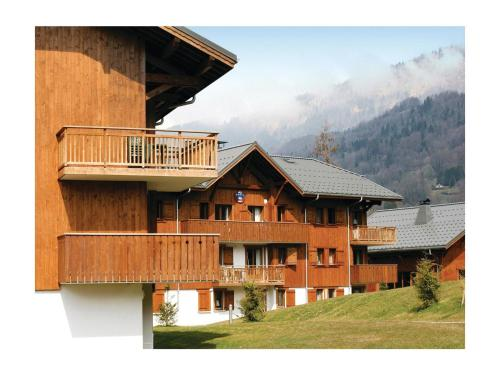 Two-Bedroom Apartment in Samoens : Appartement proche de Sixt-Fer-à-Cheval