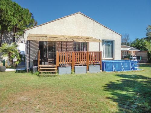 Three-Bedroom Holiday Home in Grau d'Agde : Hebergement proche d'Agde