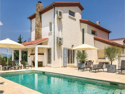 Five-Bedroom Holiday Home in Maureillas/ Las Illas : Hebergement proche de Montesquieu-des-Albères