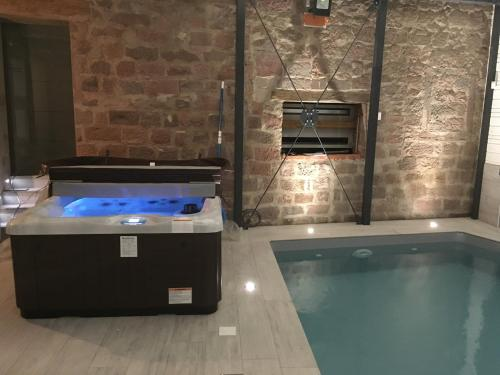 SAVERNE GUEST HOUSE & SPA : Hebergement proche de Bosselshausen