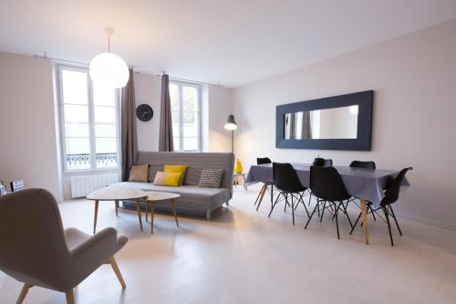 Apart By Jo - Proc 2D : Appartement proche d'Aigremont