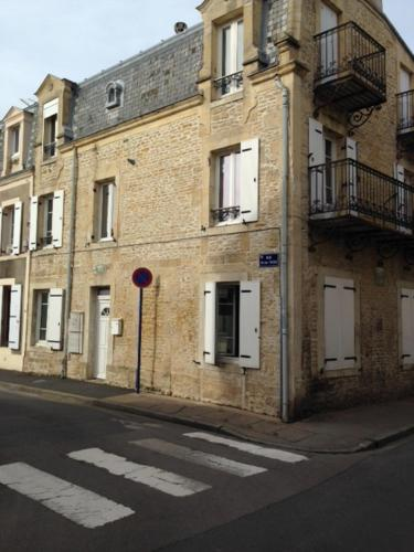 Holiday home Rue Victor Hugo : Hebergement proche de Colleville-Montgomery