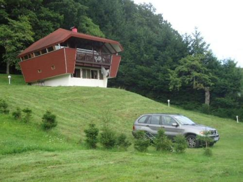 Chalet Contemporain Plein Nature : Hebergement proche de Sentheim