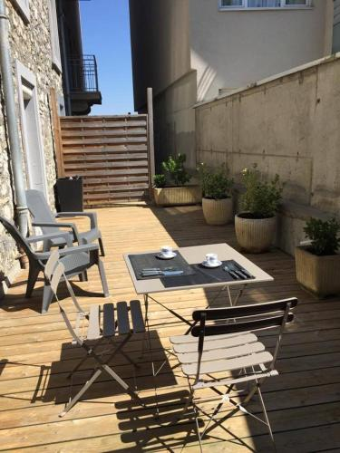 La terrasse : Appartement proche de Larringes