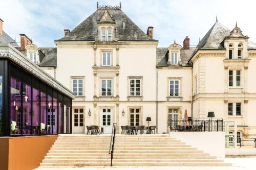 Le Mans Country Club : Hotel proche de Semur-en-Vallon