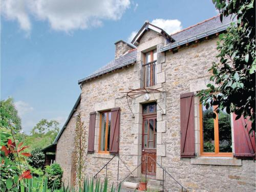 Two-Bedroom Holiday Home in Josselin : Hebergement proche de Lanouée