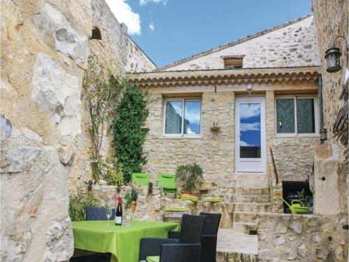 Two-Bedroom Holiday Home in Sauzet : Hebergement proche de Saint-Gervais-sur-Roubion
