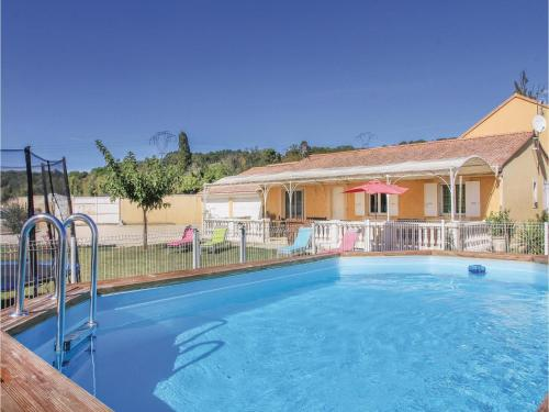 Four-Bedroom Holiday Home in Mountboucher sur Jabro : Hebergement proche de Montjoyer
