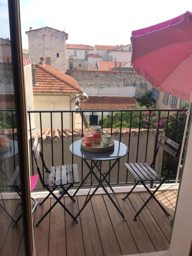 Appartement Fourmiliere Vieil Antibes Bnbkeys