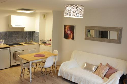 Appartement Les Pléiades : Appartement proche de Saint-Germier