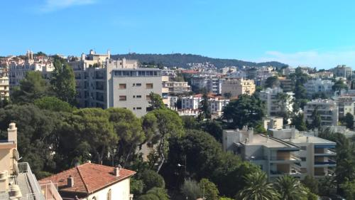 Great flat up to 4 with terrasse : Appartement proche de Saint-André-de-la-Roche