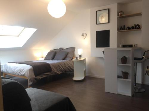 Charles : Chambres d'hotes/B&B proche de Maroncourt