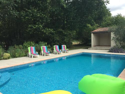 Maison Halcyon Gite with Pool : Hebergement proche de Mazeray