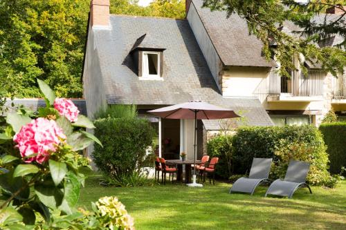 Cottages De La Bretesche : Hebergement proche de Quilly