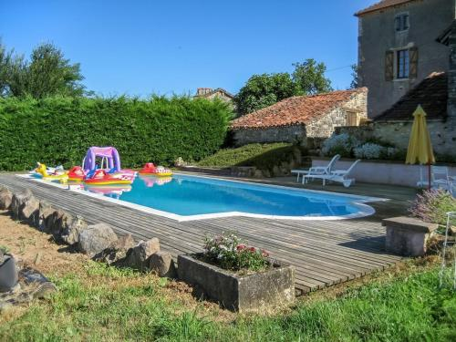 Holiday home Le Barbut : Hebergement proche de Saint-Médard