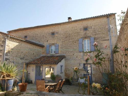 Bed and Breakfast Dunroamin : Chambres d'hotes/B&B proche de Fontaine-Chalendray