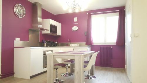 Appartement SweetHome Dijon - Drapeau