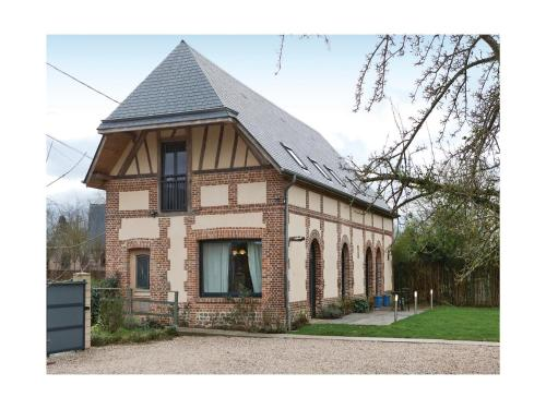 Five-Bedroom Holiday Home in Grigneuseville : Hebergement proche d'Ernemont-sur-Buchy