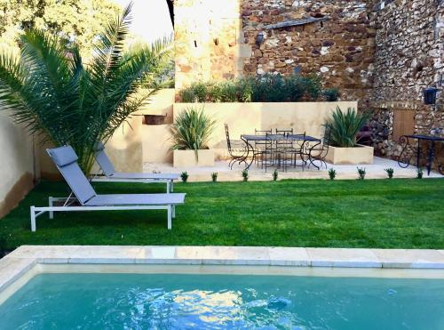 19C Provencal Stone House with Private Pool : Hebergement proche de La Bastide-d'Engras