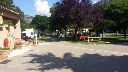 camping du lac : Hebergement proche d'Angles