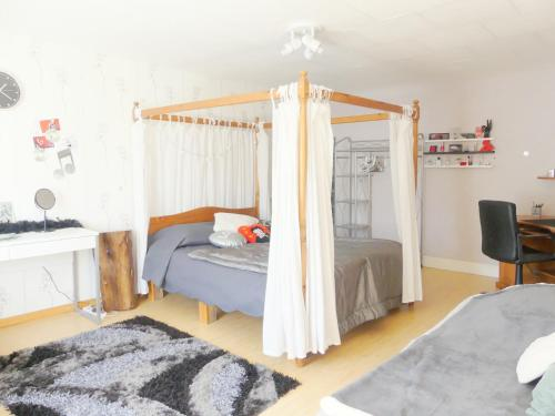 Studio Manon : Appartement proche de Longchamp