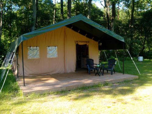 Safari tent at Minicamping Chateau de Satenot : Hebergement proche de Saint-Seine