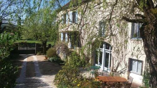 Le petit Dennevy : Chambres d'hotes/B&B proche de Chamilly