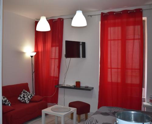 Appartement Studio Triangle Arene Gare Maison Carree Placette
