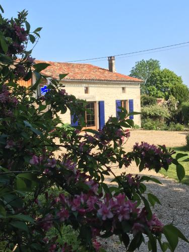Campagn'Art : Chambres d'hotes/B&B proche d'Ensigné