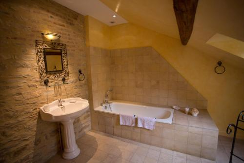 Domaine VIOLOT-GUILLEMARD : Chambres d'hotes/B&B proche de Volnay