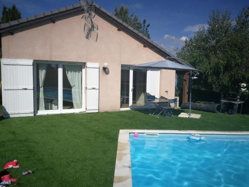 Le pool house : Appartement proche de Montusclat