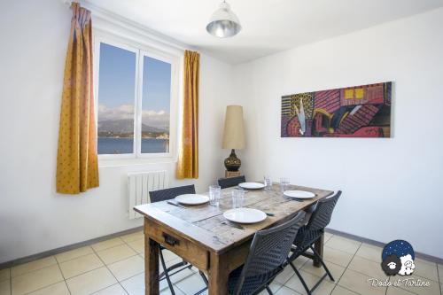 Two Bedrooms Apartment Sea View - Dodo et Tartine : Appartement proche de La Garde