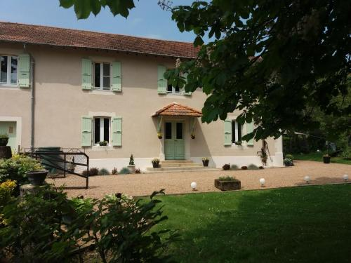Domaine Serrot : Chambres d'hotes/B&B proche d'Estampures