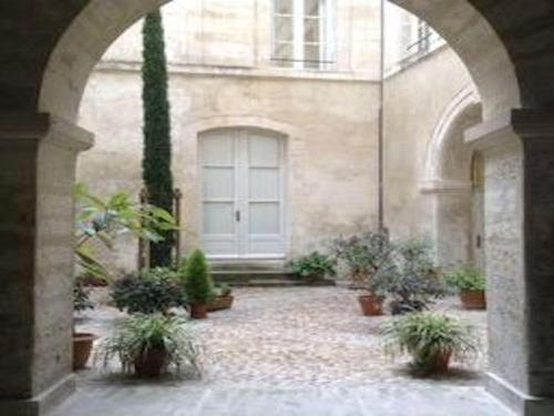 Bright apartment in the heart of town : Appartement proche d'Avignon