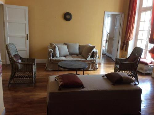 4 Square d'Avignon : Appartement proche d'Ormes