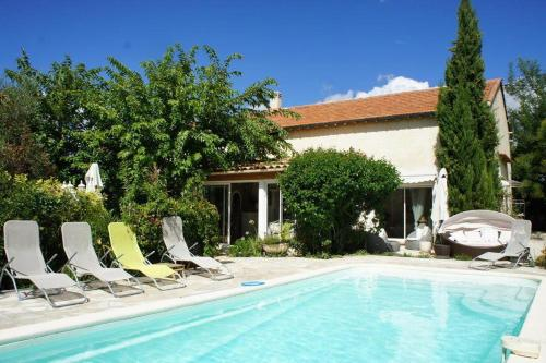 Hébergement Holiday villa with private pool near Aix en Provence