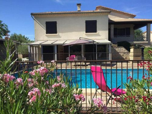Hébergement Beautiful property in the heart of the Roman Provence