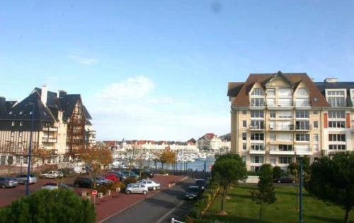Appartement Dives Sur Mer - 3 Pieces - Vue port de plaisance