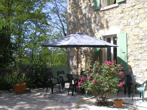 Holiday home Place des Teyssiers : Appartement proche de Sampzon