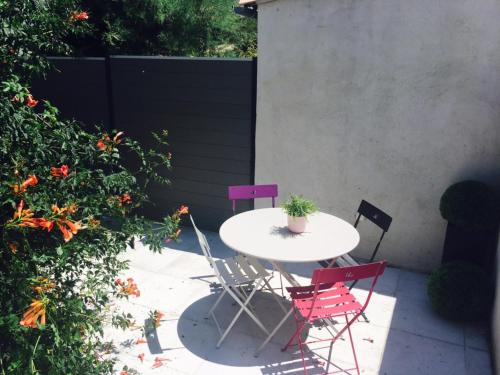 Studio Avenue Romain Rolland : Appartement proche de Carnoux-en-Provence