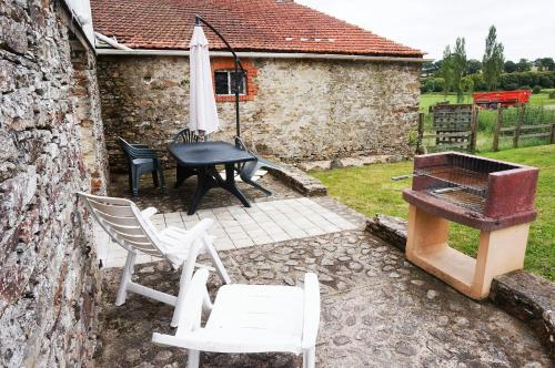 Holiday home La Feronniere - 2 : Hebergement proche de Saint-Paul-Mont-Penit